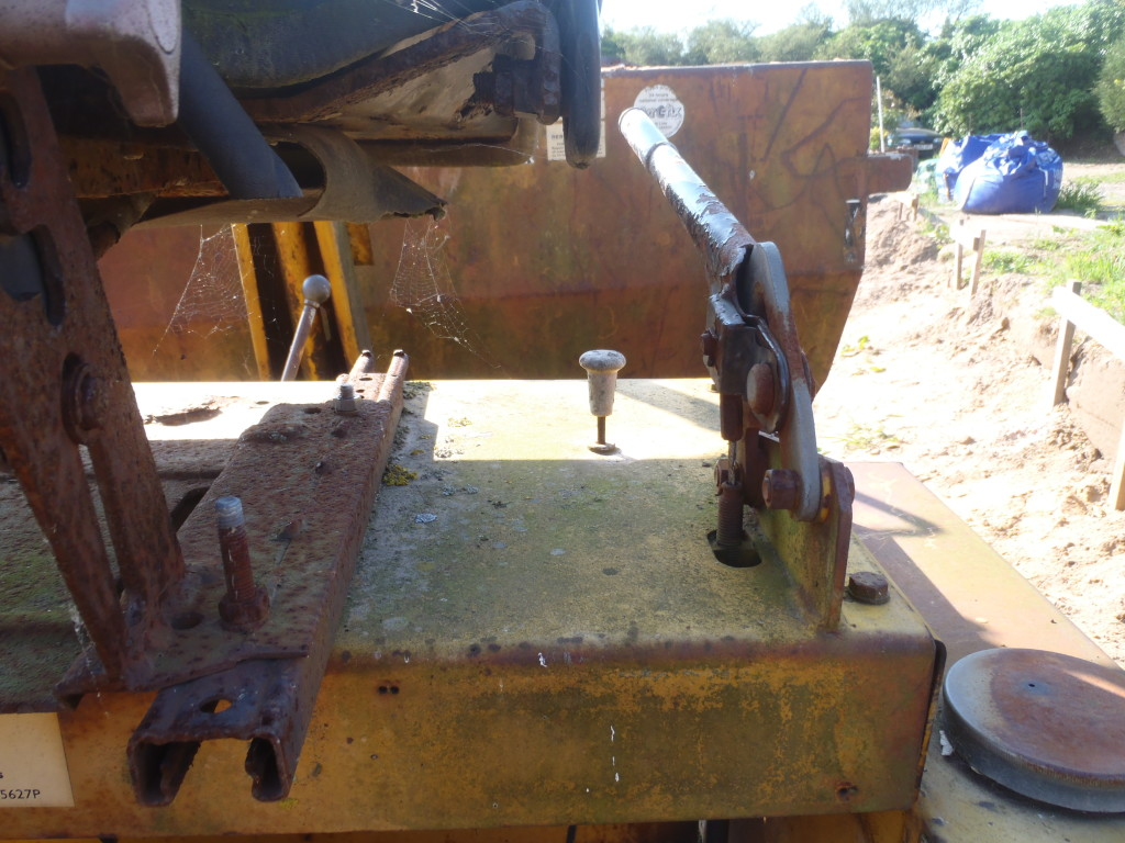 Dumper-Stop-Handle-It-should-pull