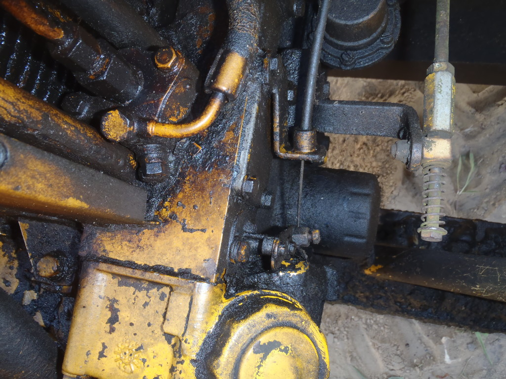 Dumper-Stop-lever-on-engine