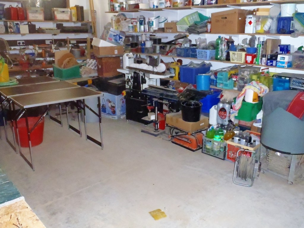 Empty-space-in-workshop