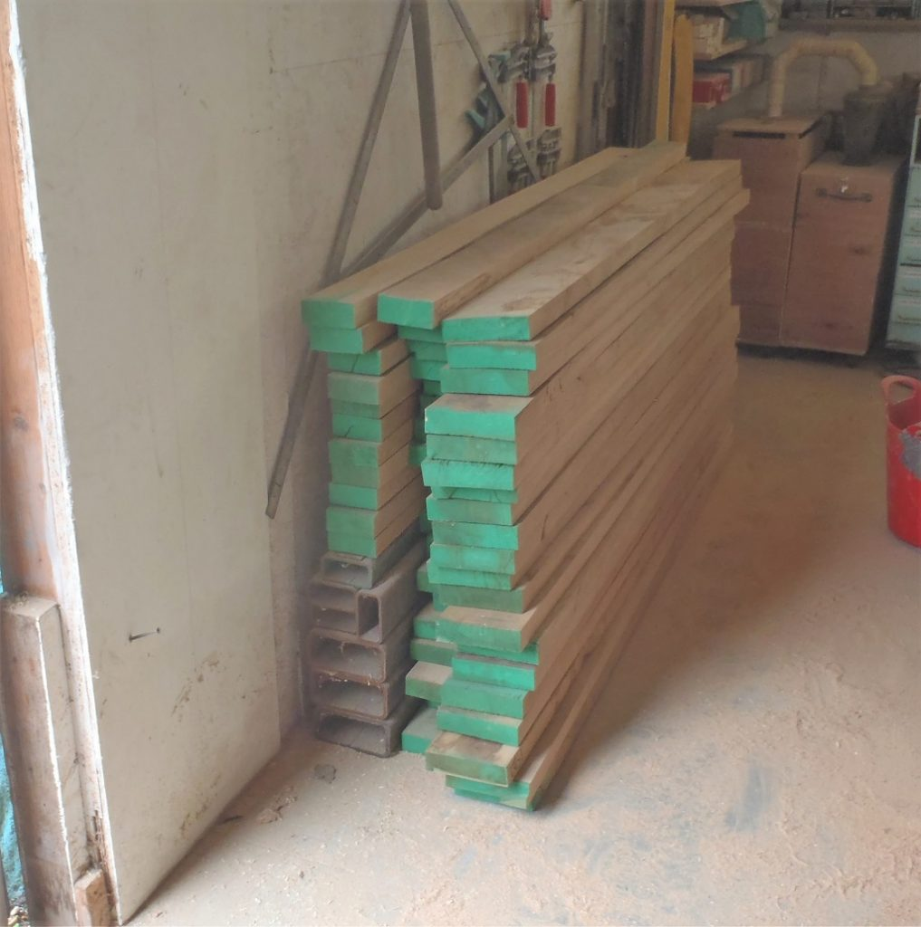 Oak sawn to size, 32 pieces@90mm and 20 pieces @155mm