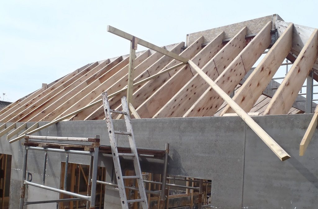 Q-Valley-rafters-and-Ridge-installed