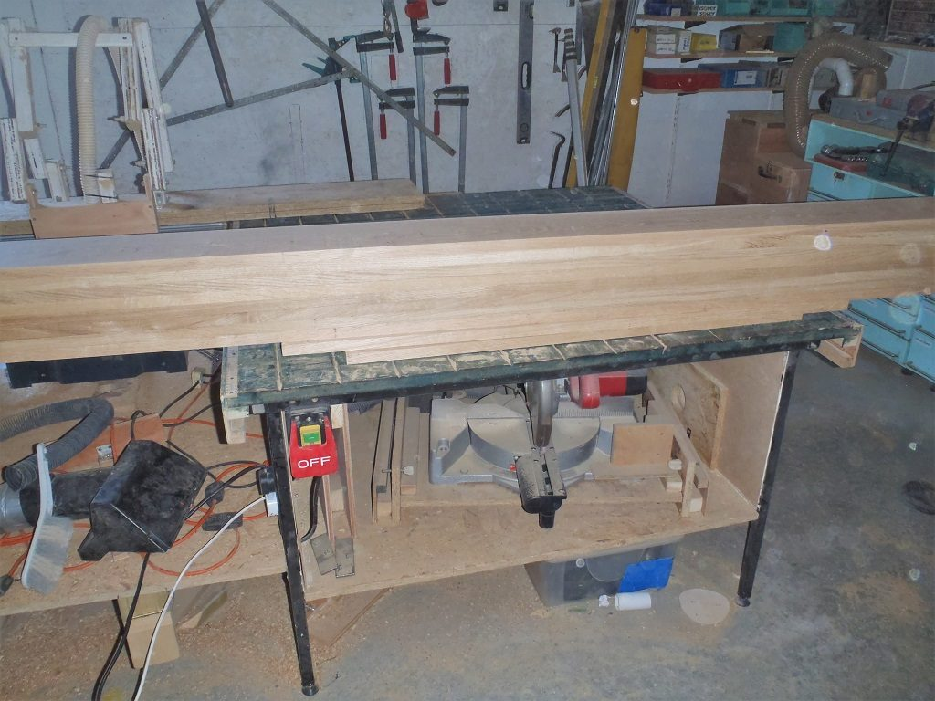 Newest-pile-of-planed-20mm-Oak-2