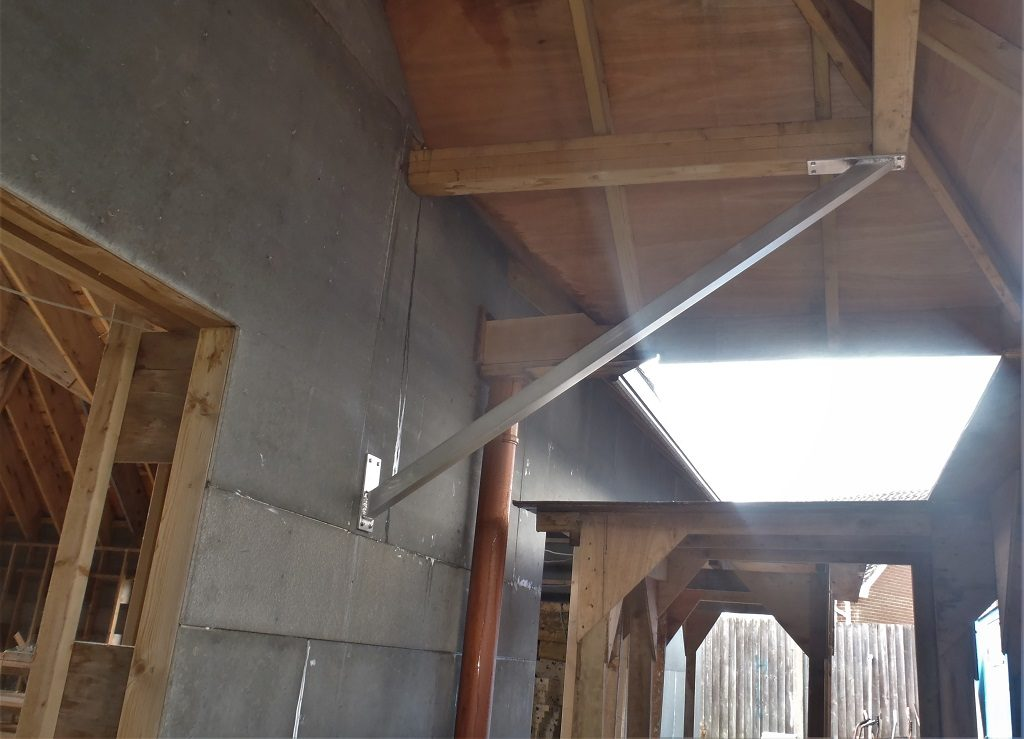 Angled-porch-support-FG