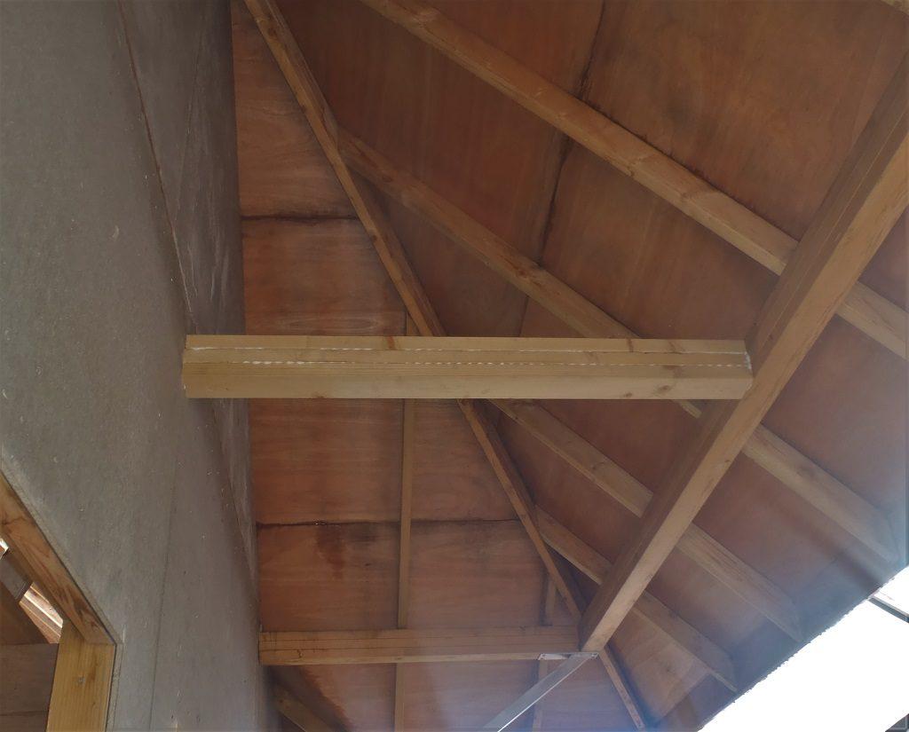 New-midspan-top-brace-on-F-porch