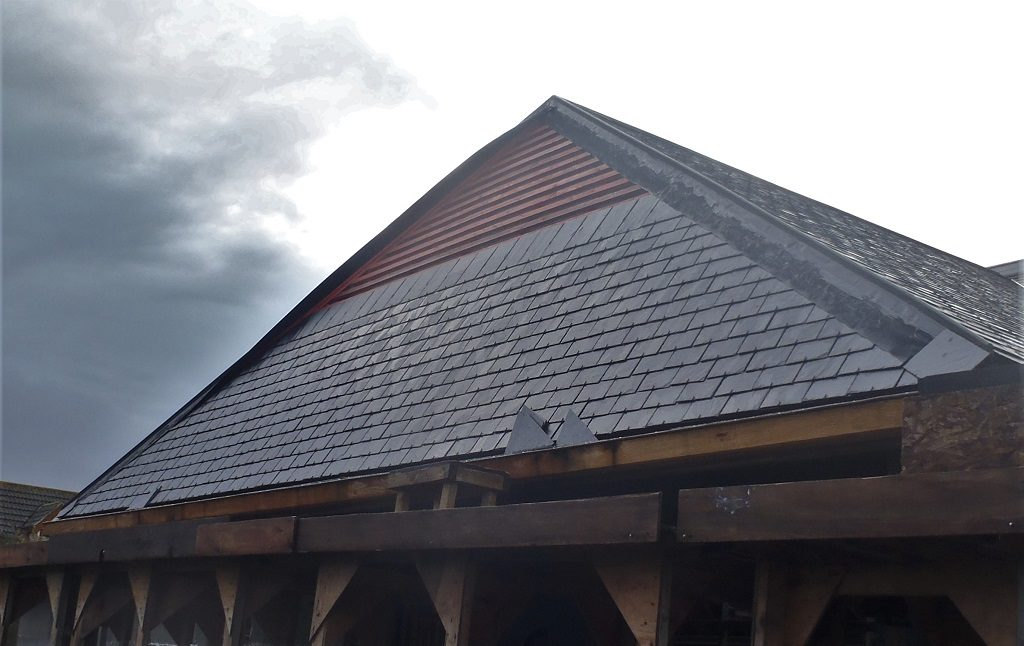 Sealing the Roof boards to Walls and Cleaning the Eves