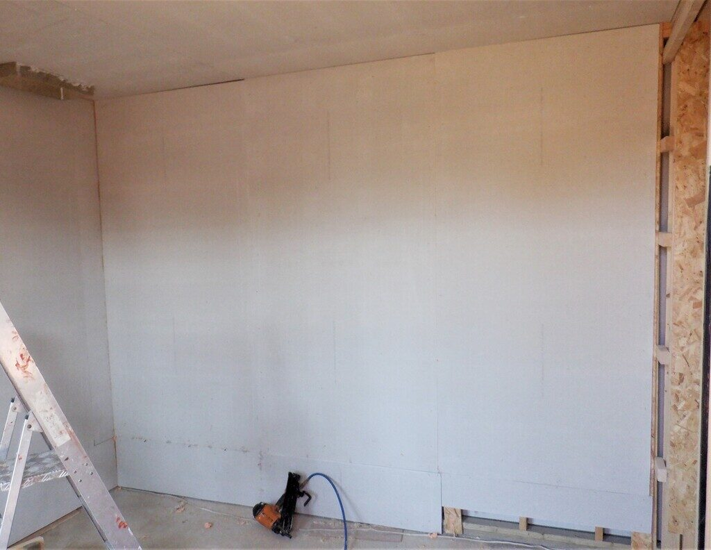Entertainment-wall-boarded