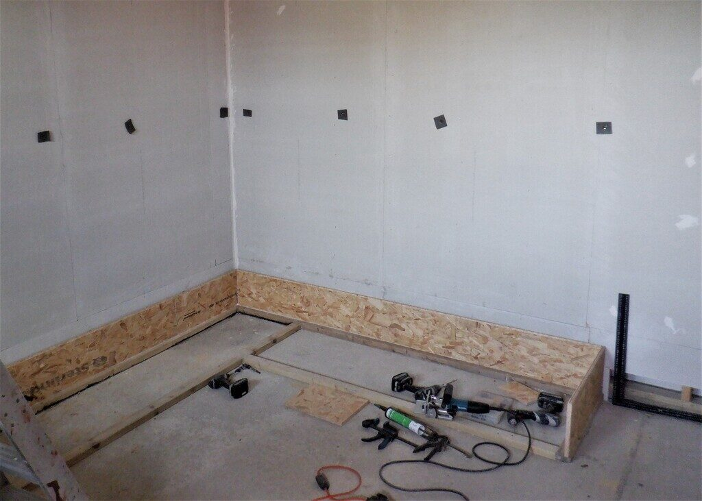 First-row-of-OSB-for-cupboard