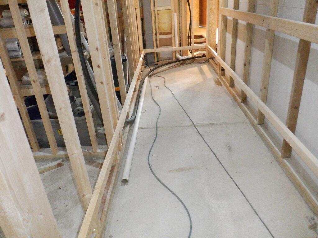 Hall-Floor-Support-Rails-1