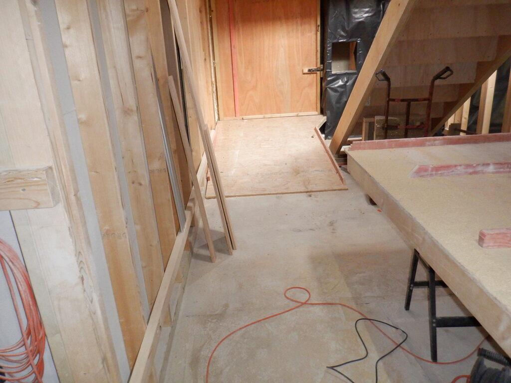Hall-Floor-Support-Rails-5