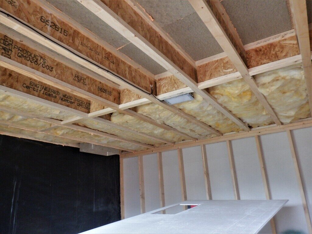 Insulation-in-the-ceiling