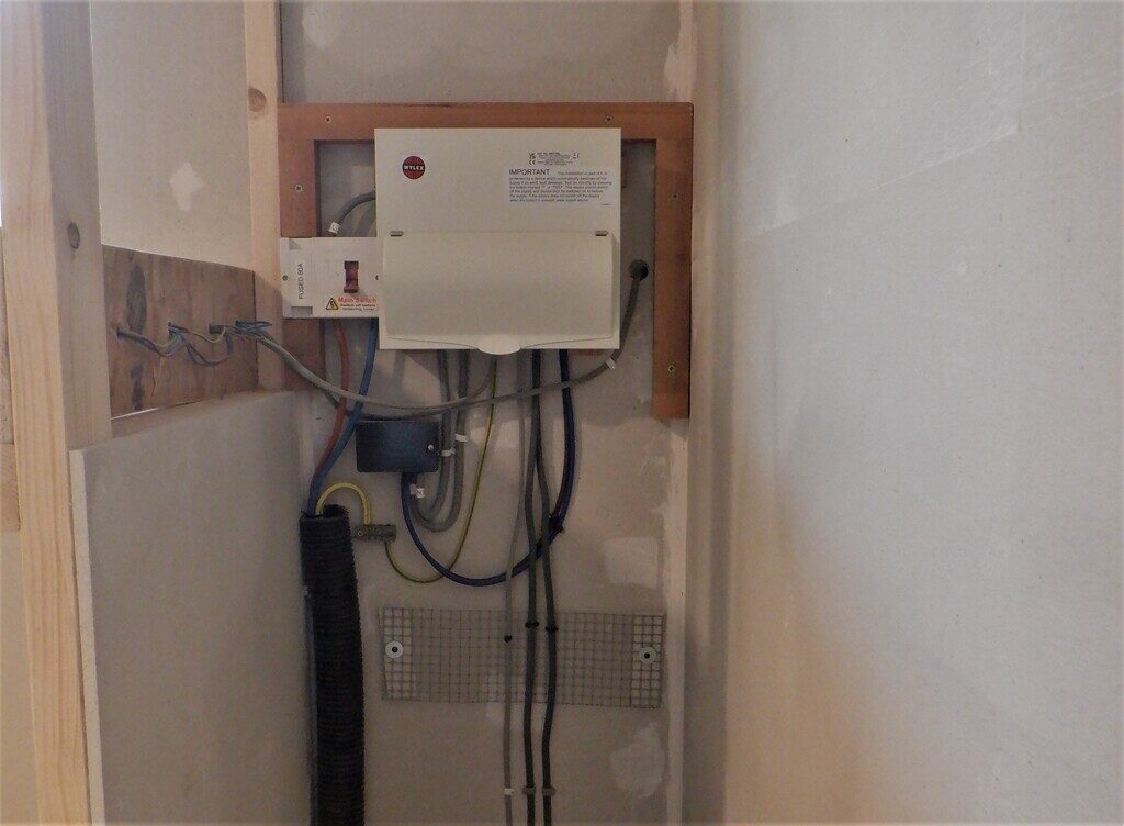 New-consumer-unit-and-temporary-wiring-1