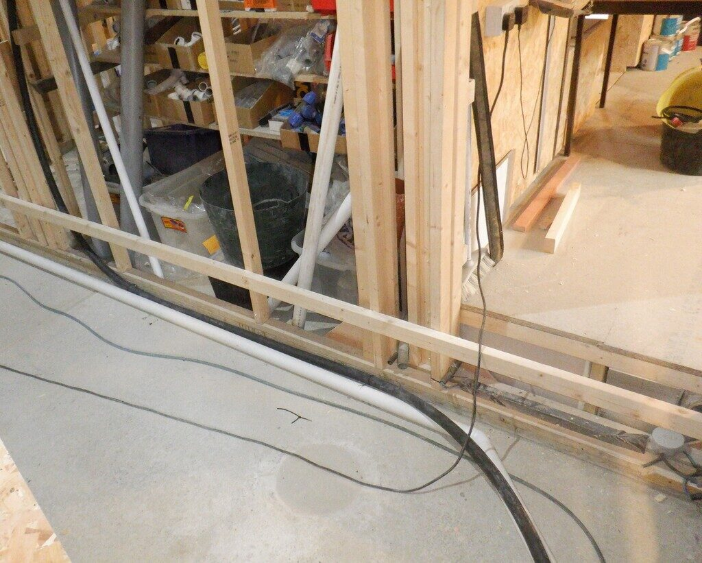 Vacuum-pipe-and-Electric-duct-2